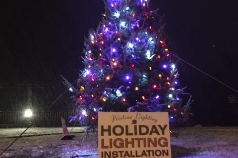 http://www.westonkacc.com/wp-content/uploads/2012/11/Christmas-Tree-480x320.jpg